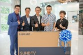 Dato' LCW Receives 65-inch 2016 Samsung Curved SUHD TV