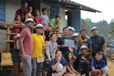 MAXIS Volunteers Build Homes For Orang Asli