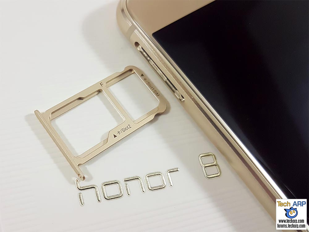 The honor 8 Hybrid SIM