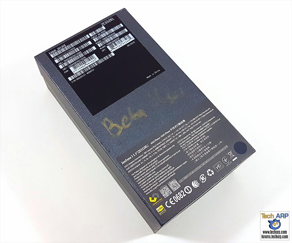 The ASUS ZenFone 3 (ZE552KL) boxThe ASUS ZenFone 3 (ZE552KL) box