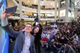 The Samsung Galaxy Note8 Kicks Off With Song Ji-hyo!
