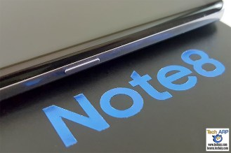 Samsung Galaxy Note8 right