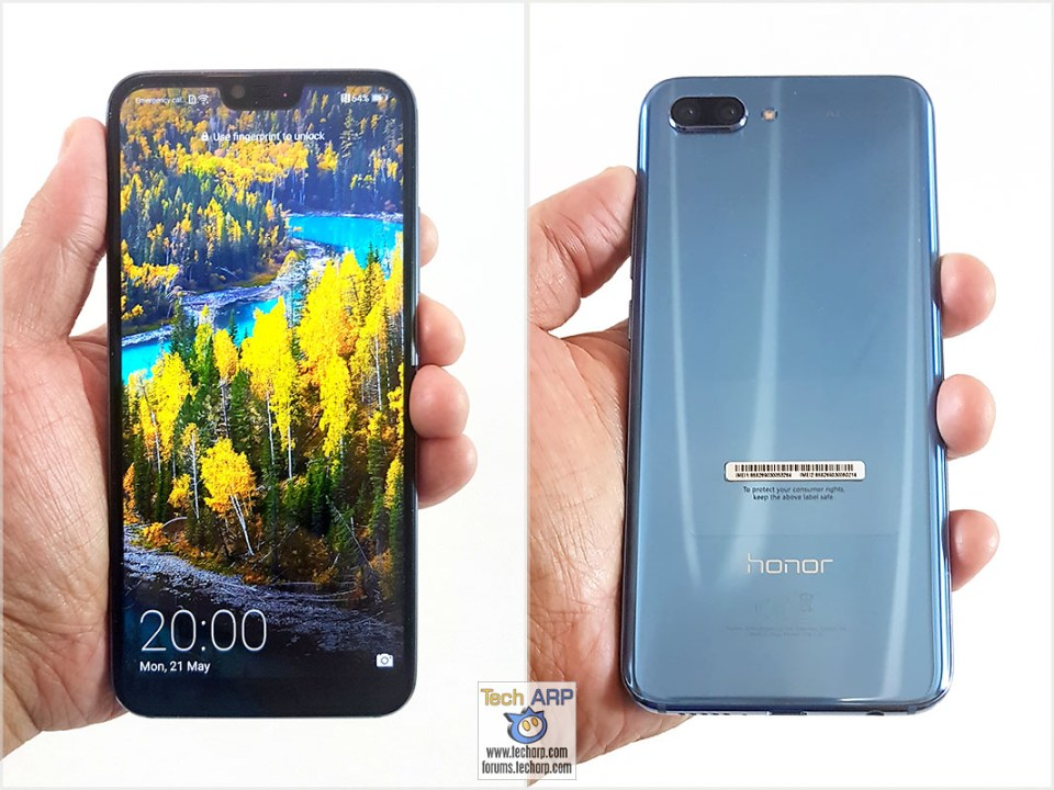 Honor 10 in hand