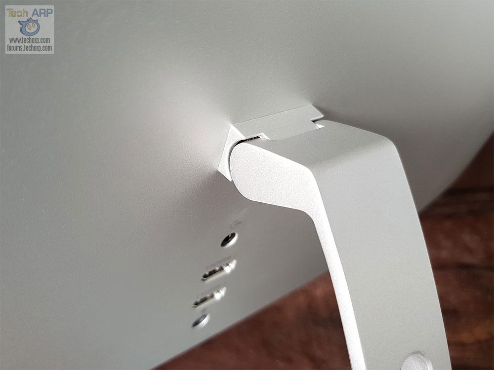 Dell S2719DM hinge