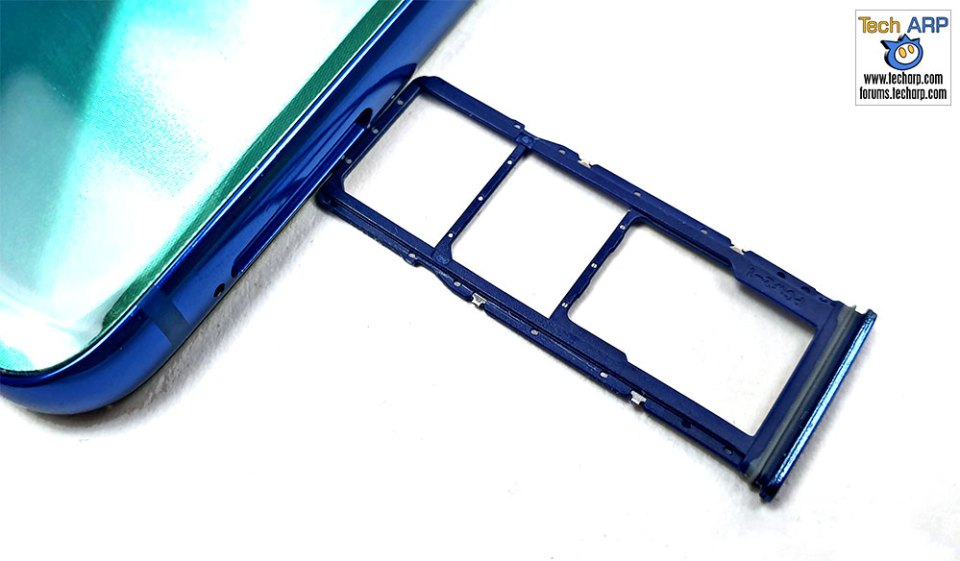 Samsung Galaxy A9 2018 SIM microSD tray