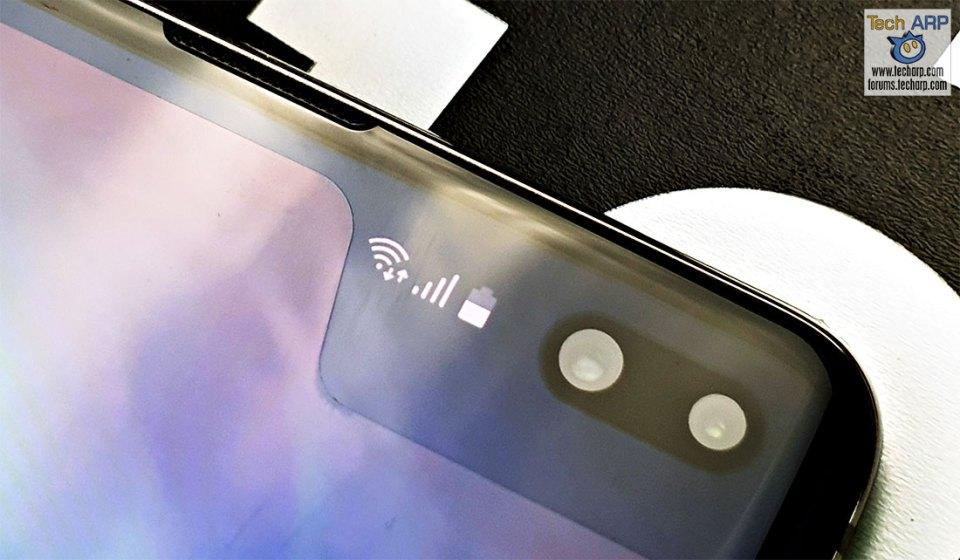 Samsung Galaxy S10 Plus front cameras