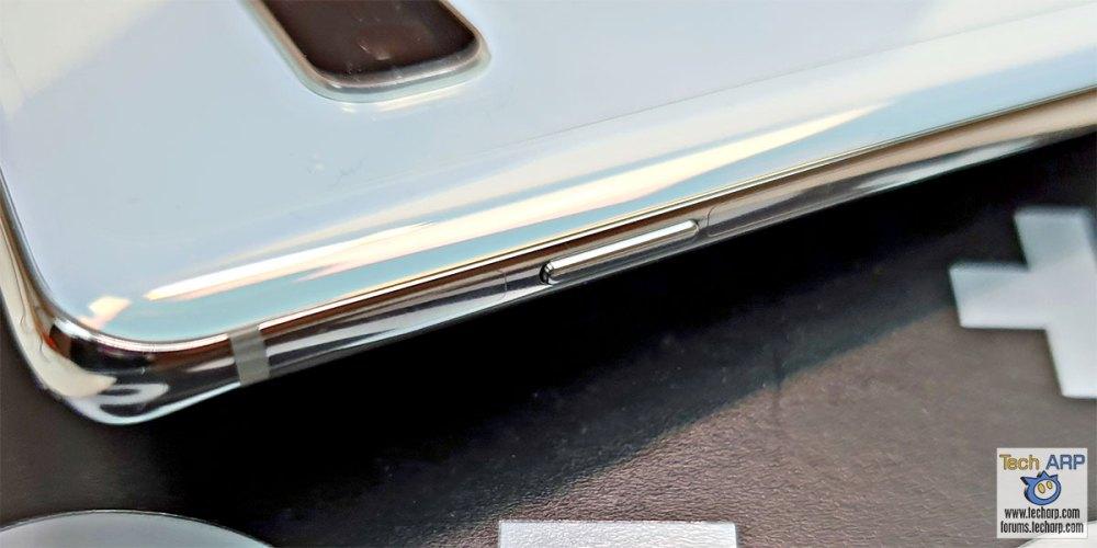 Samsung Galaxy S10 Plus right button
