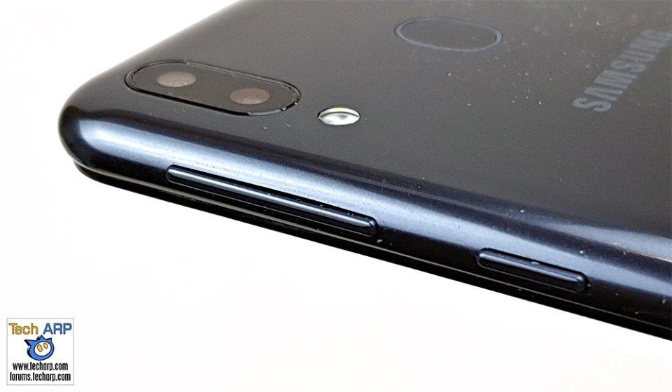 Samsung Galaxy M20 right side