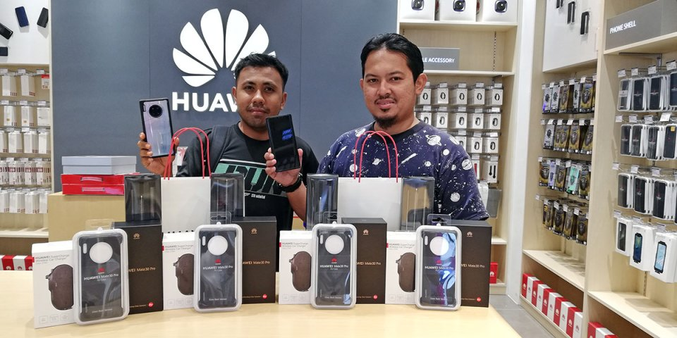 HUAWEI Mate 30 Malaysian customer