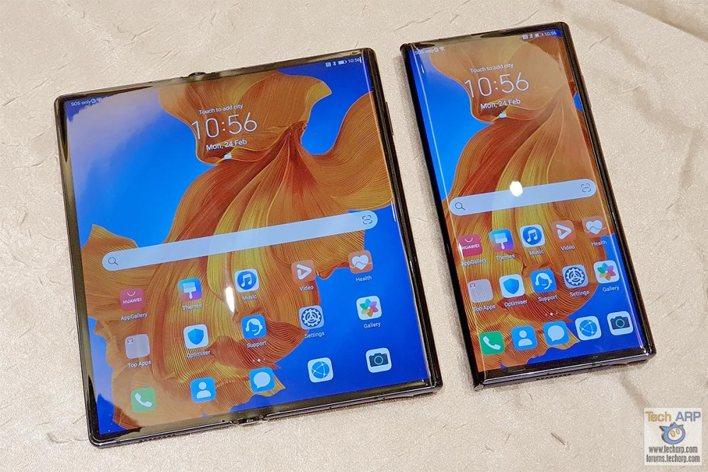 HUAWEI Mate Xs open and closed