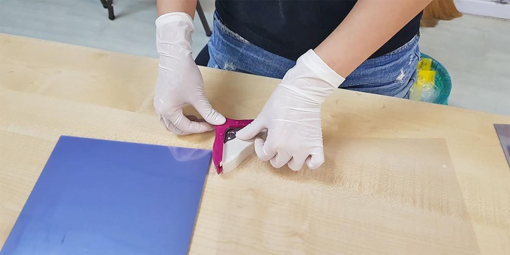 Trim the corners with a rounded corner puncher
