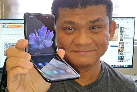 Samsung Galaxy Z Flip Preview : Unfolding With Style!
