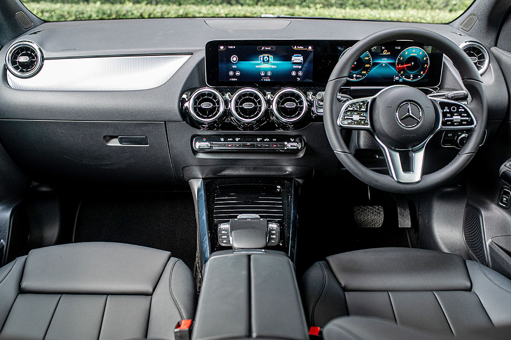 2020 Mercedes-Benz GLA 200 car 04