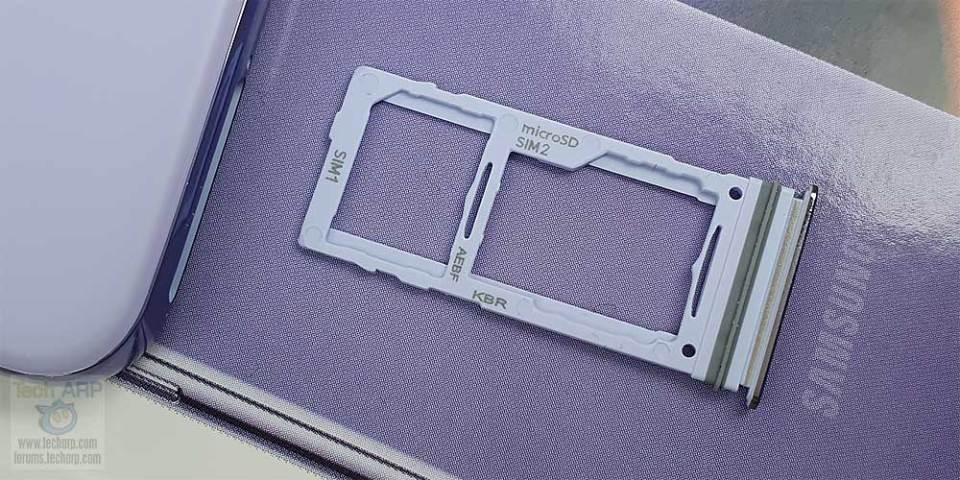 Samsung Galaxy A52 hybrid SIM tray