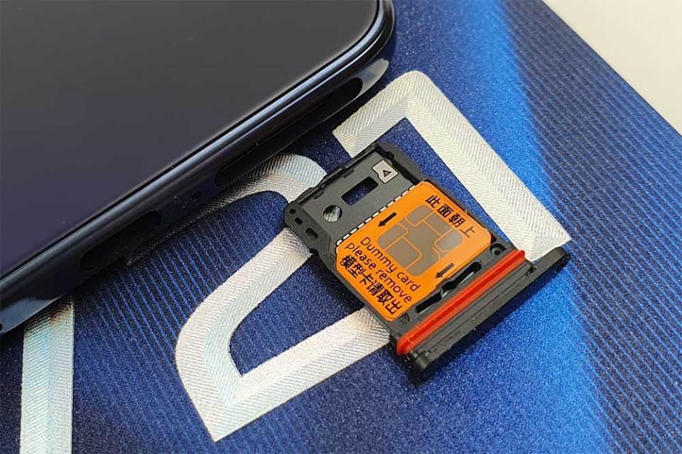 vivo V21 hybrid SIM tray