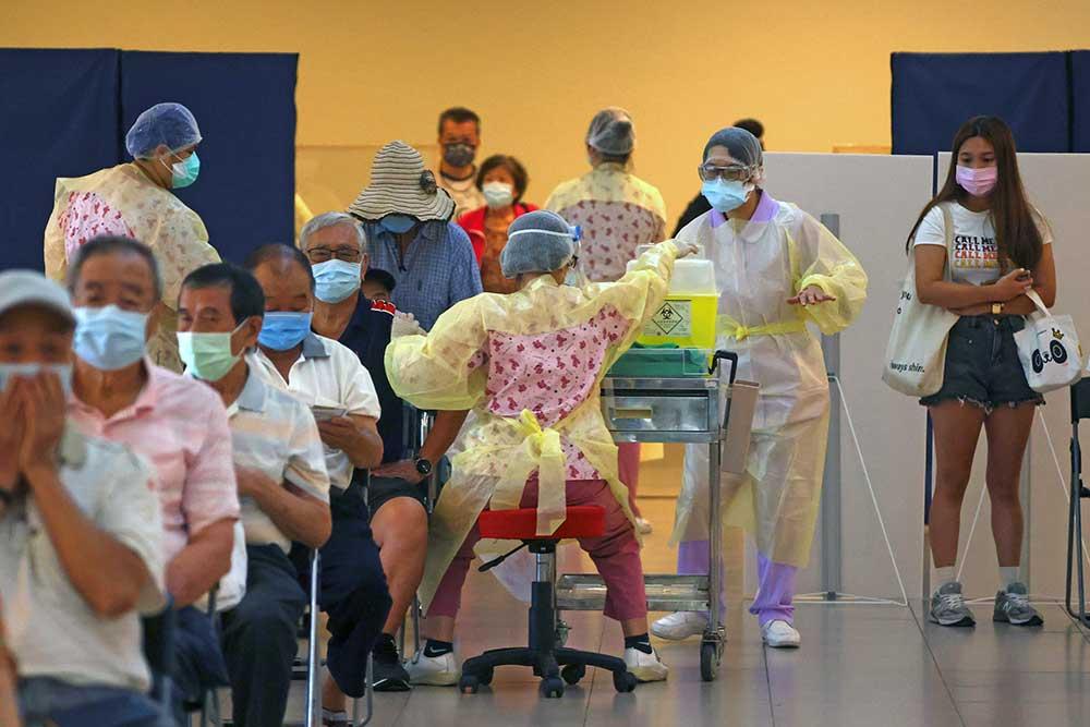 Taiwanese AstraZeneca vaccine queue