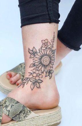 Sunflower tattoos ideas for women (10)