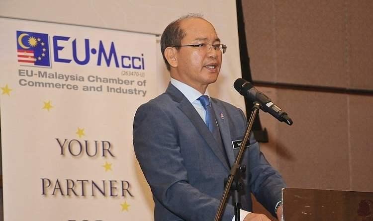 Datuk Seri Wilfred Madius Tangau