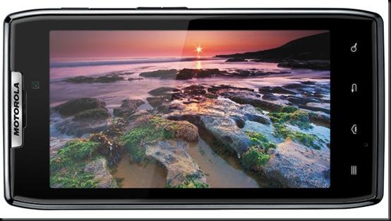 Motorola mostra celular ultrafino com processador de dois núcleos; Droid Razr tem 7,1 milímetros de espessura, diz empresa.