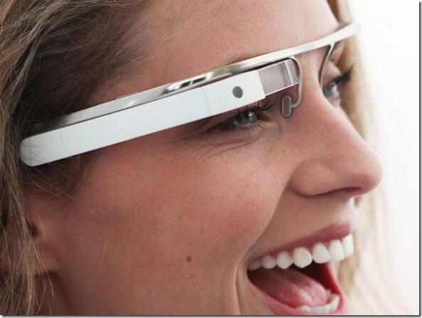 Google apresenta projeto dos óculos do futuro. Futuro que pode estar a seu alcance ainda em 2012, Google