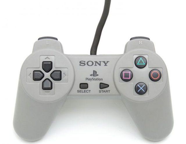 Console Sony: controller della PS1