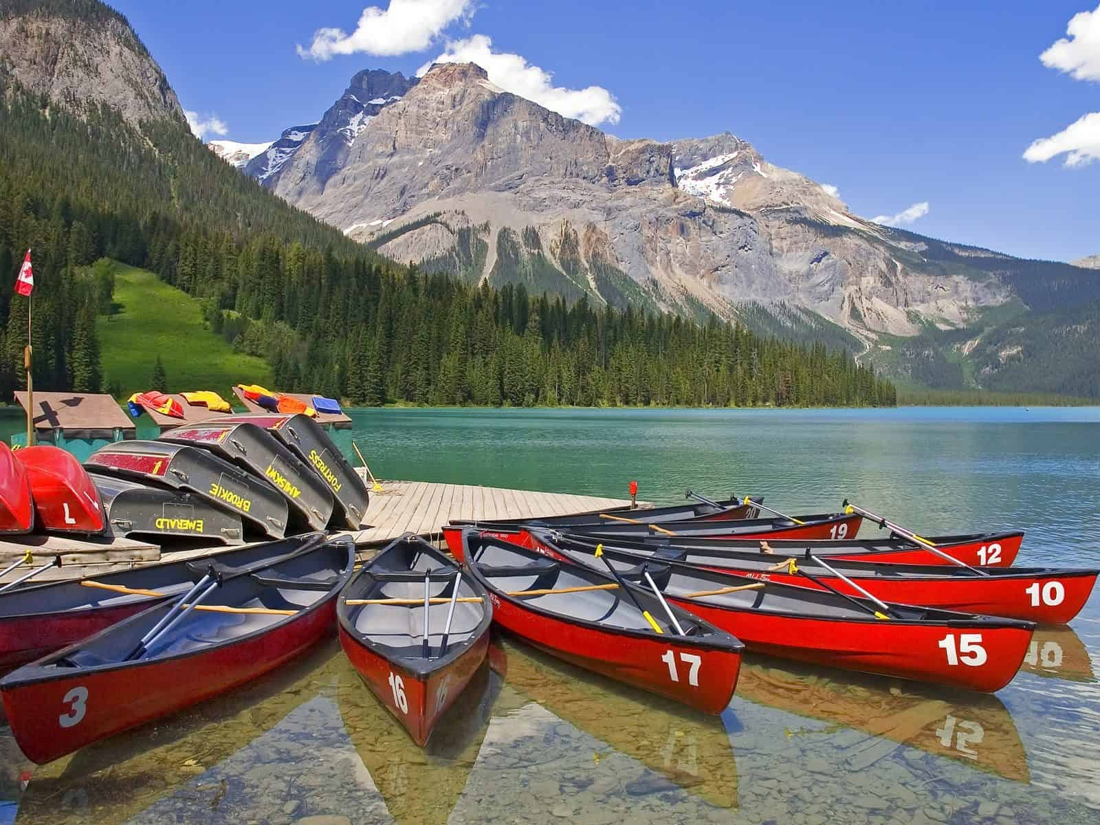 8 Famous Breathtaking National Parks in Canada To Visit