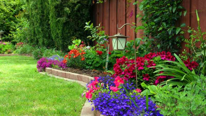 5 Advantages of Using Garden Edging