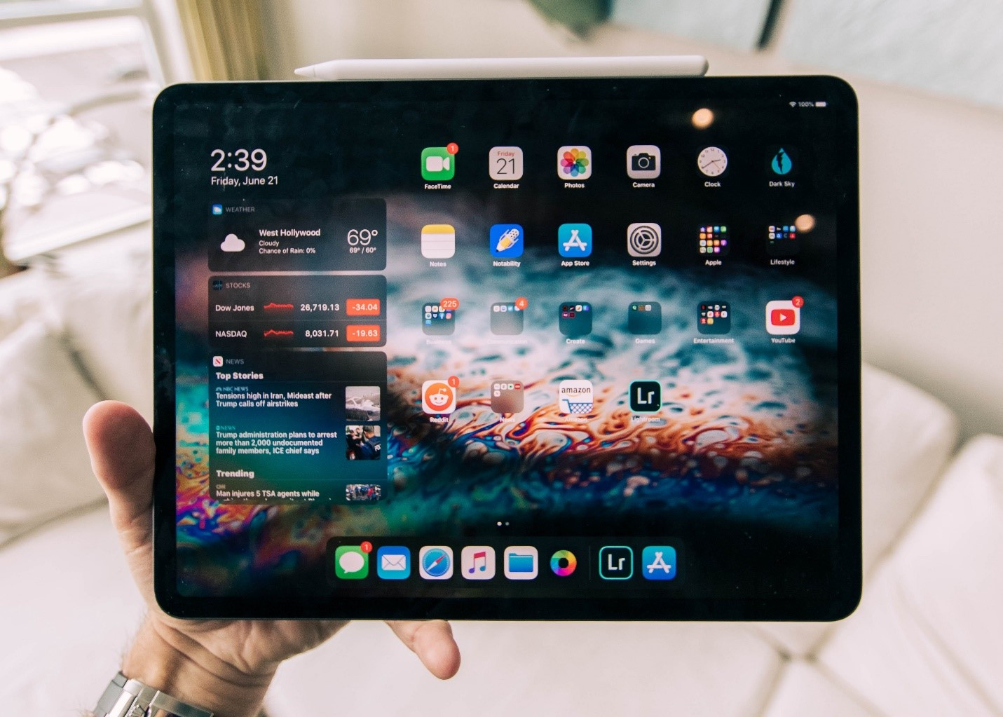 What Are the Benefits of iPad Rental?
