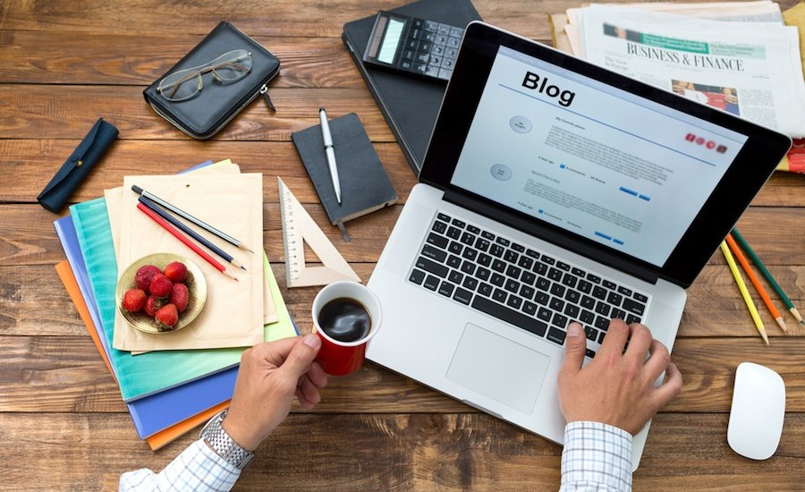 7 Steps You MUST Take to Turn Your Blog Into a Business