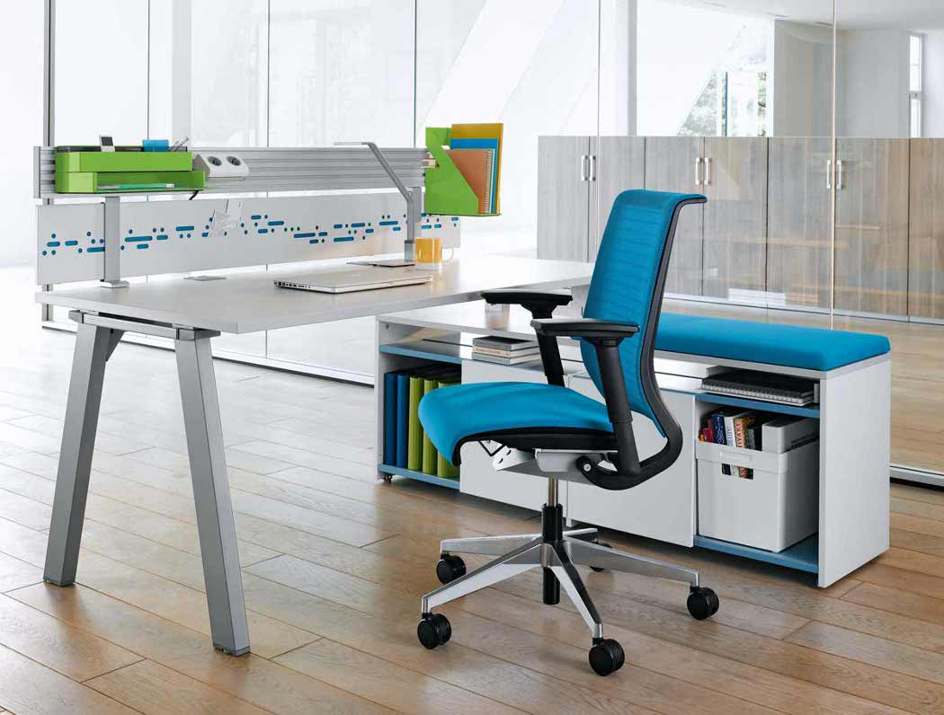 How Do You Look for the Right Office Furniture Online?