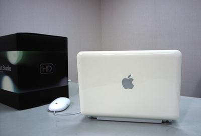 macbook2.jpg