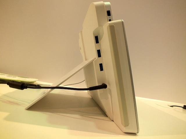 Acer-Iconia-W700-5.JPG