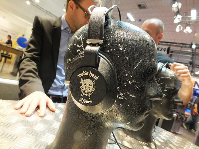Motorheadphones-2.JPG
