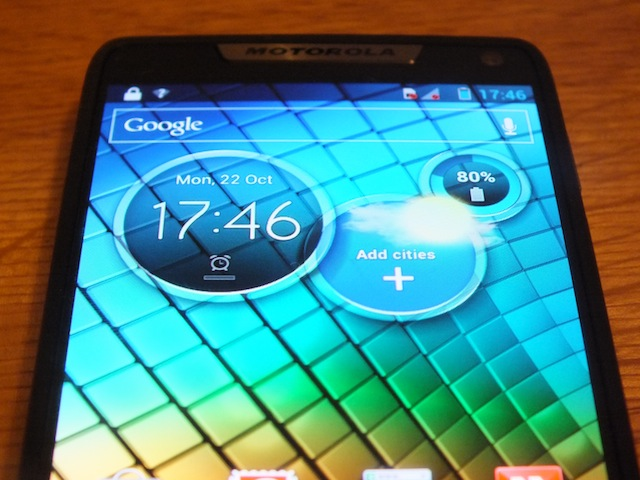 Motorola-RAZR-i-06.JPG