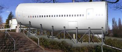 airplanebuilding1.jpg