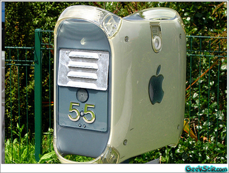 apple_mac_as_mailbox.jpg