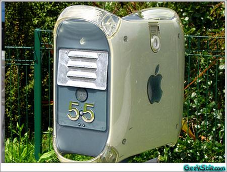 apple_mac_as_mailbox.jpg