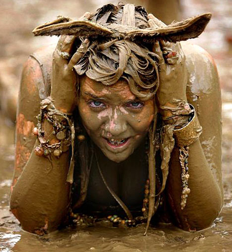 glastonbury-mud-girl.jpg