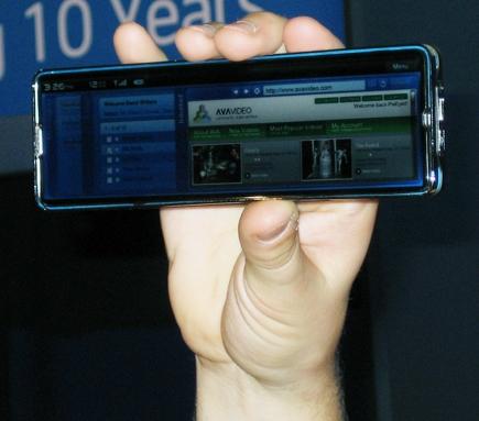 intel_iphone_clone.jpg