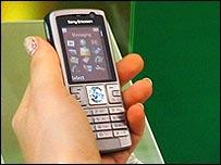 mobile_using_6.jpg