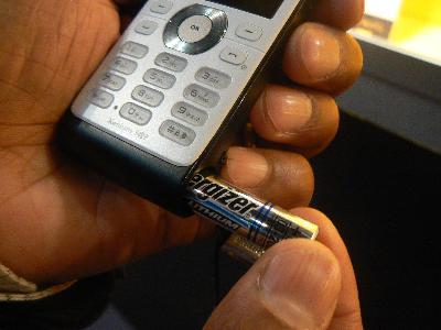 philips-battery-phone.jpg