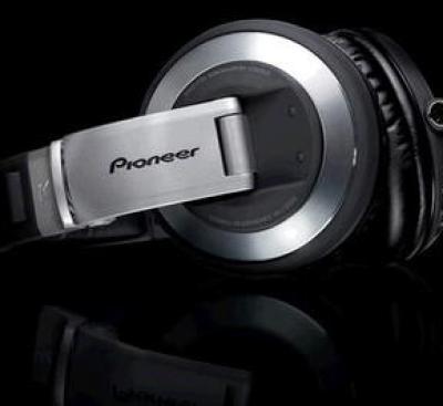 pioneer_hdj-2000_dj_headphones.jpg