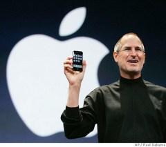 steve_jobs_iphone.jpg