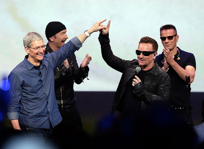 tim-cook-u2-bono-apple