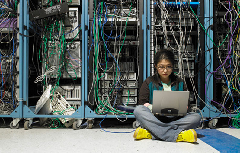 woman-in-server-room
