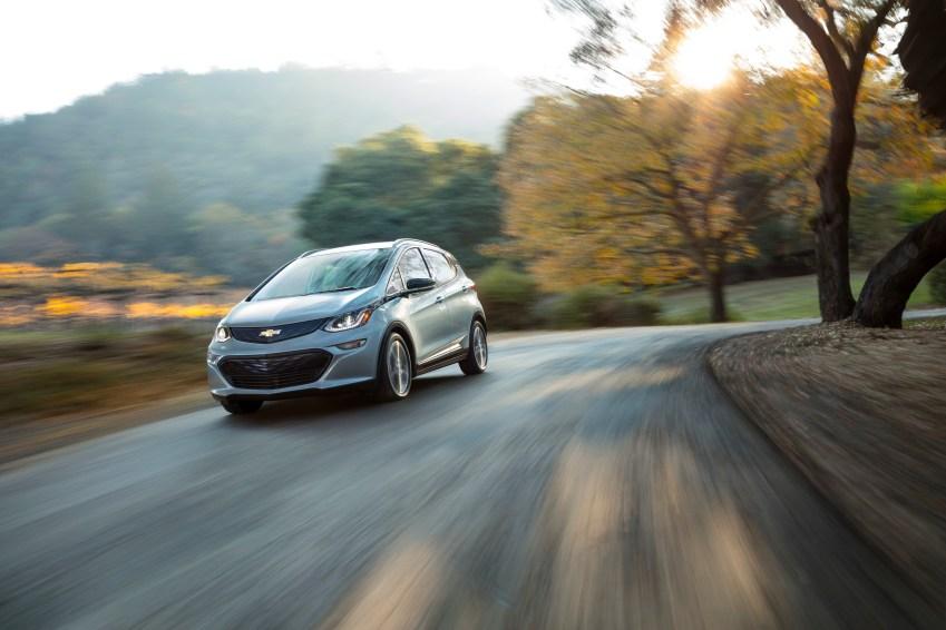 2017 Chevrolet Bolt EV offers a range of 200 miles