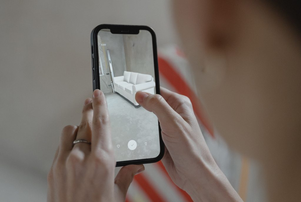 AR has can benefit older adults but design excludes them, claims study