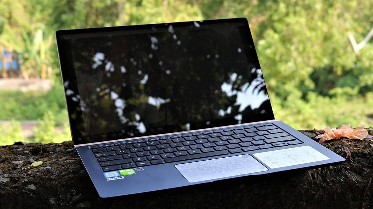 ASUS ZenBook 14 UX433FN Review: Powerful Hardware Misses The