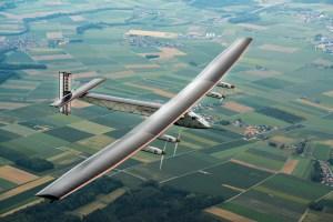 Avião solar está pronto a descolar