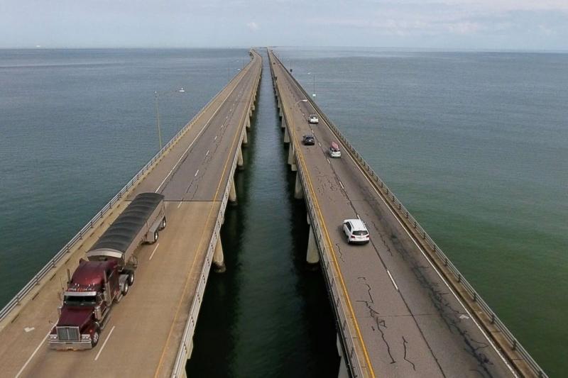 Obras da Engenharia: Conheça a ponte que desaparece no mar